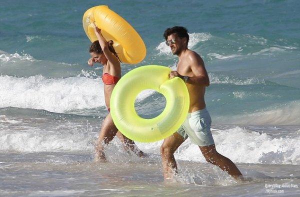 Olivia Palermo et son fiancé Johannes Huebl en vacances en amoureux sur les plages de St Barth