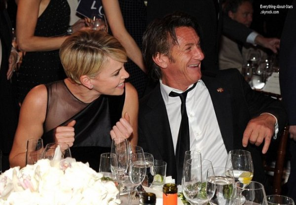 11/01/14: Charlize Theron et Sean Penn toujours aussi proche, au gala de charité Sean Penn & Friends Help Haiti.