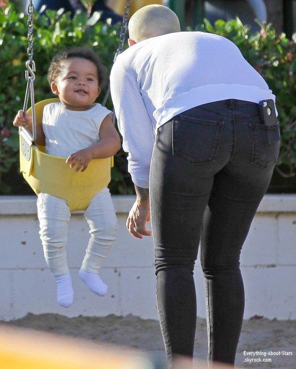 16/01/14: Amber Rose aperçue avec son fils Sebastian au parc de Malibu