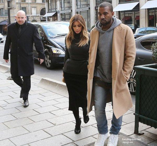 18/01/14: Kim Kardashian et Kanye West aperçue à la sortie du restaurant l'Avenue à Paris