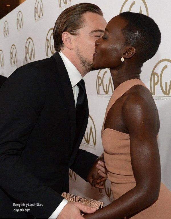 19/01/14: Leonardo Dicaprio et Lupita Nyong'o sur le tapis rouge de la cérémonie des Producers Guild Of America Awards à Beverly Hills