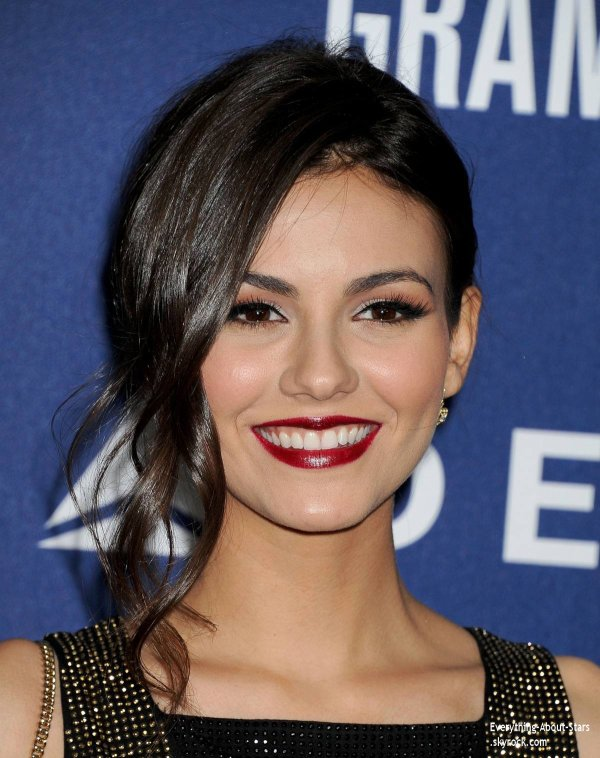 23/01/14: La belle Victoria Justice s'est rendu à la cérémonie des 56e Grammy Awards à la SoHo House de West Hollywood.