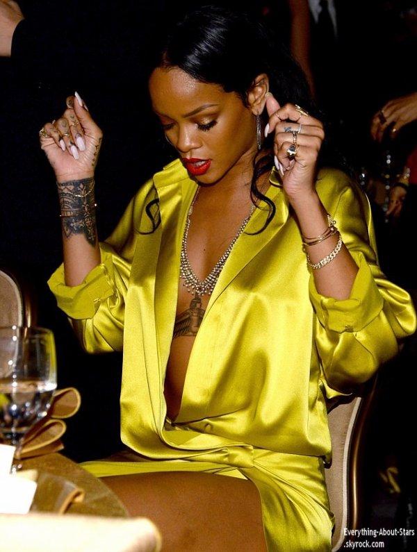 Pré Grammy Awards 2014:    Rihanna s'est rendue au gala des Pré-Grammy Awards de Clive Davis à Los Angeles