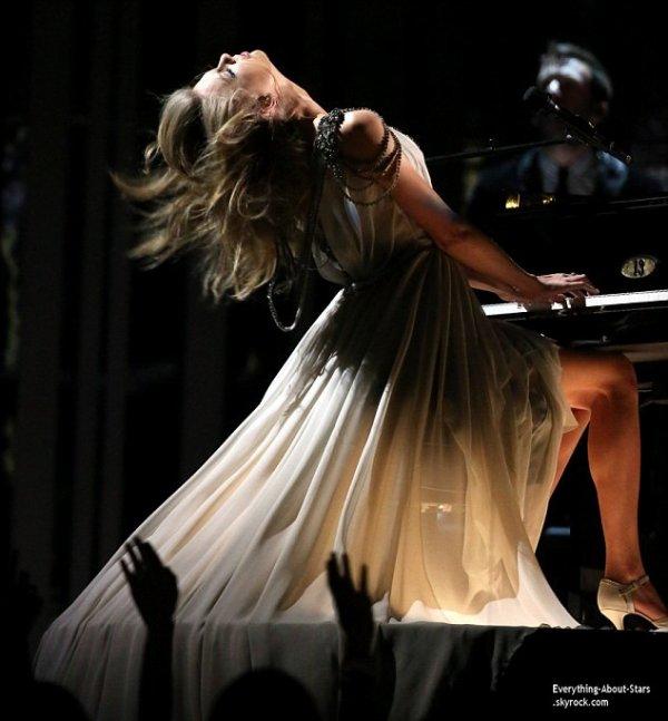 GRAMMY AWARDS 2014: Cérémonie, Red Carpet, Palmarés, Récompense et Vidéos  Découvrez la performance de Pink et Taylor Swift lors des Grammy Awards 2014