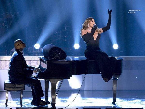 08/02/14: Mariah Carey s'est produite sur la scène du Warner Theater de Washington lors de la soirée des BET Honors 2014
