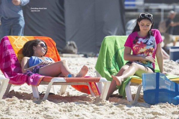 21/02/14: Sarah Hyland aperçue sur le tournage de Modern Family à Sydney