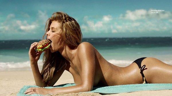 La belle Nina Agdal prend la pose pour la marque de fast food Carl's Jr