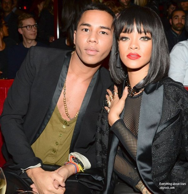 """27/02/14: Rihanna s'est rendu à l'after-party du défilé """"Balmain"""", qui se déroulait au Crazy Horse à Paris."""