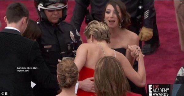 OSCAR 2014: Encore une chute pour Jennifer Lawrence   Cérémonie, Tapis rouge, Palmarés, Récompense, Vidéos, Backstage, Instagram et After Party