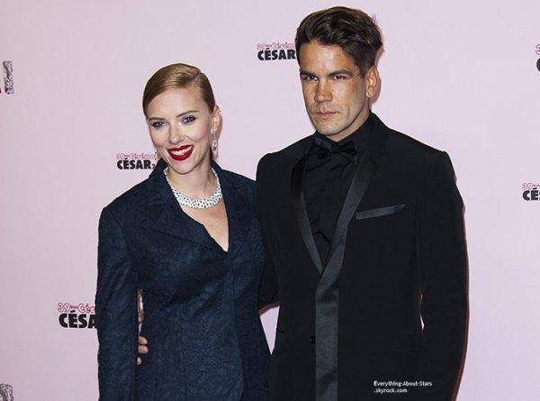 BREAKING NEWS   Scarlett Johansson serait enceinte de 5 mois !