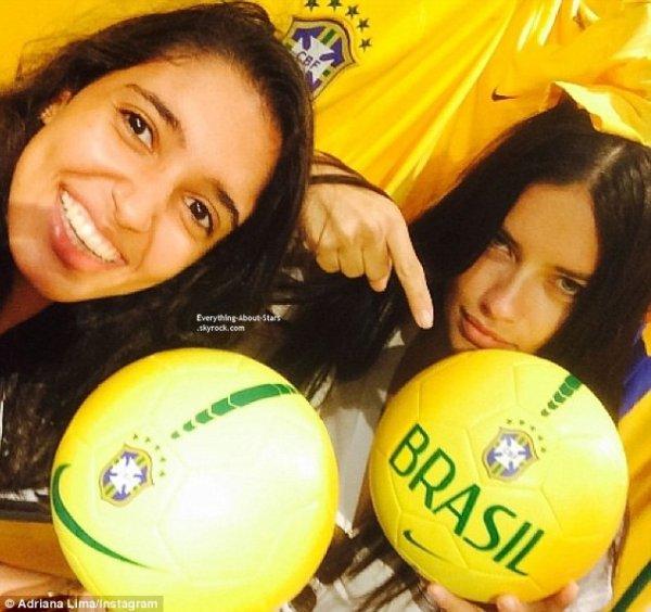 08/07/14: Alessandra Ambrosio et Adriana Lima dépités aprés la victoire de l'Allemagne face au Brésil