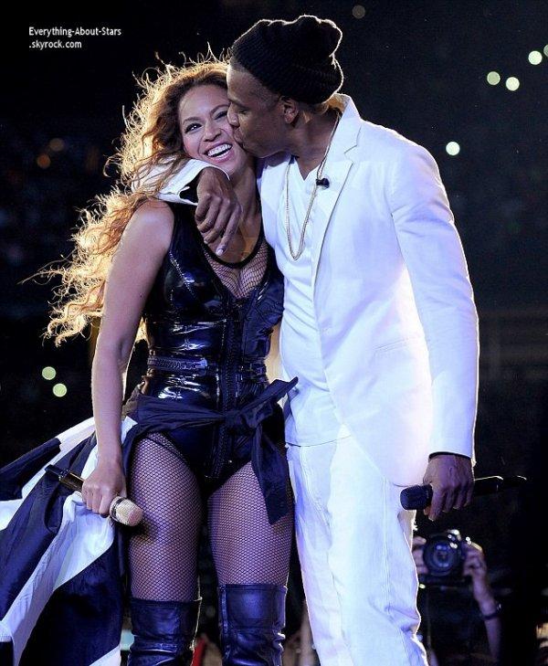 11/07/14: Beyonce et Jay Z ont donnée un concert lors de leur show  On The Run Tour au New Jersey