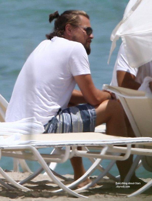 19/07/14: Leonardo Dicaprio aperçue sur une plage à Miami