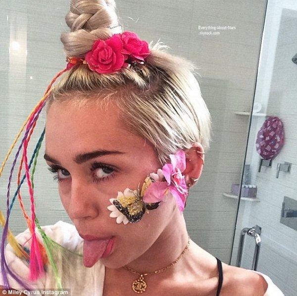 Découvrez quelques photos provenant du compte Instagram de Miley Cyrus