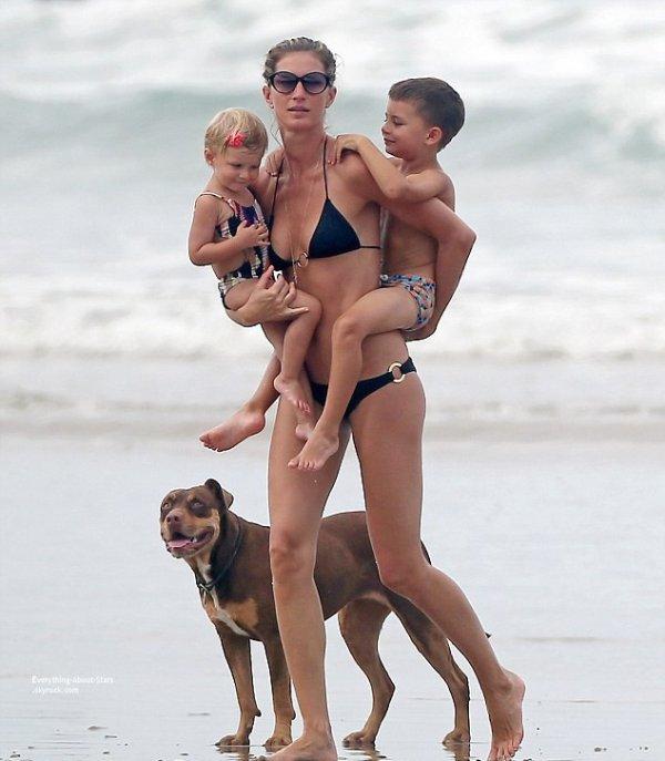 28/07/14: Gisele Bundchen repérée en vacances en famille sur une plage au Costa Rica