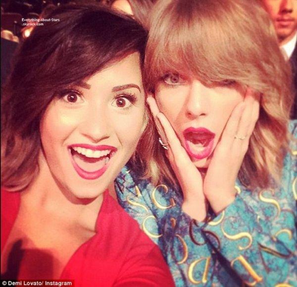 24/08/14: Découvrez les SELFIES durant les MTV VMA 2014