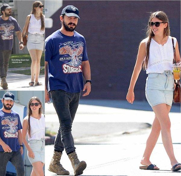 30/08/14: Shia LaBeouf aperçue avec sa girlfriend Mia Goth pour allé déjeuner dans les rues de Studio City