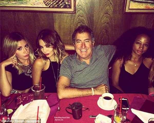 Photos Instagram du jour: Ashley Tisdale, Vanessa Hudgens, Kenny Ortega et Monique Coleman