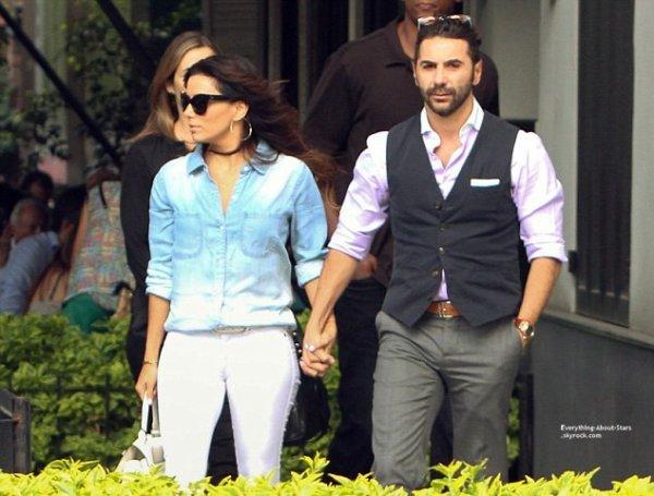 29/08/14: Eva Longoria et son boyfriend Jose Antonio sont allé déjeuner dans un restaurant pendant leur vacances au Mexique