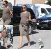 04/09/14: Zoe Saldana aperçue en train de se promener avec son chien à Hollywood