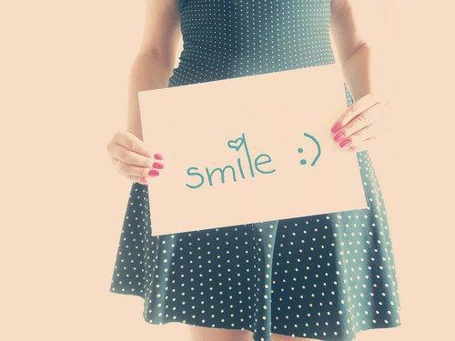 A tes côtés, c'est tellement plus simple de sourire. :)