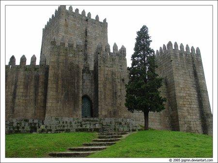 Le château de Guimarães : un monument national