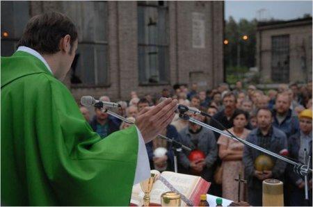 Le père Jerzy Popieluszko, le prêtre qui devait mourir