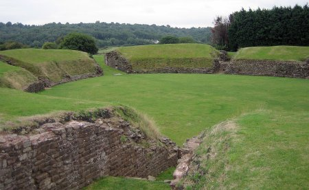 Caerleon, ou Celliwig au Pays de Galles ?