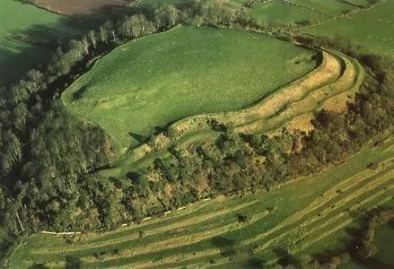Cadbury Castle, au Somerset, aurait-il pu être la célèbre cour du roi Arthur ?