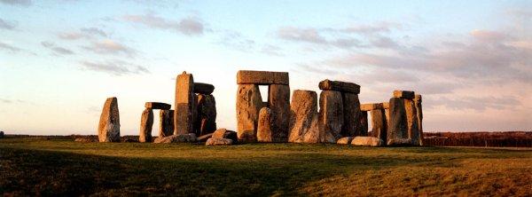 Le cercle mégalithique de Stonehenge était-il la Table ronde ?