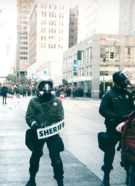 Les manifestations de 1999 à Seattle, ou les débuts du mouvement l'altermondialiste