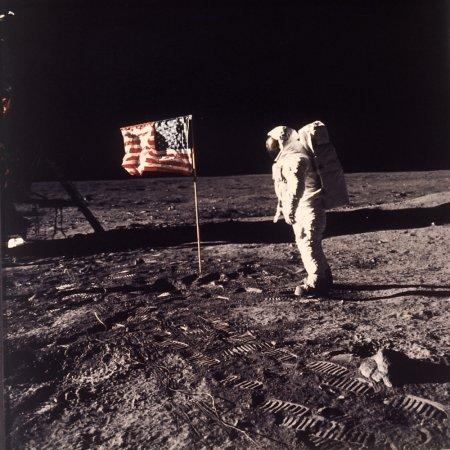 Nous n'avons pas marché sur la Lune ?