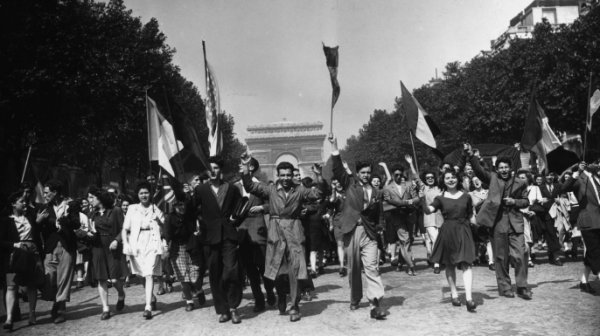 Le 8 mai 1945 : une victoire avec ses parts d'ombre