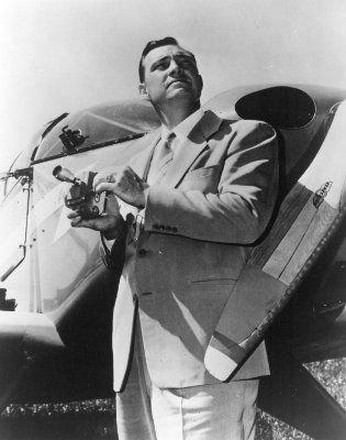 Kenneth Arnold, ou comment a commencé l'ère des soucoupes volantes