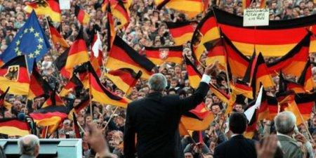 Helmut Kohl, un artisan de la construction européenne avec ses parts d'ombre