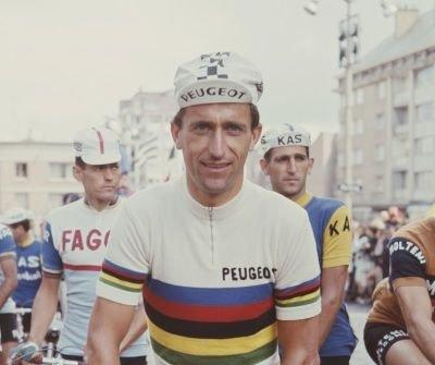 Tom Simpson, un cycliste élégant victime du dopage
