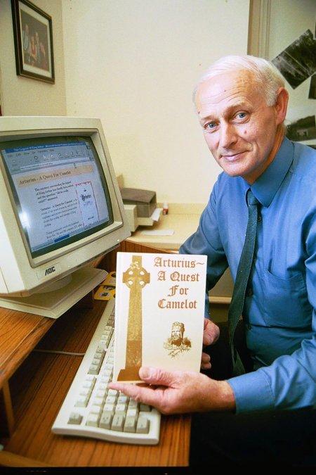 Un historien prétend avoir résolu le mystère du roi Arthur avec un manuscrit suisse datant de 1300 ans