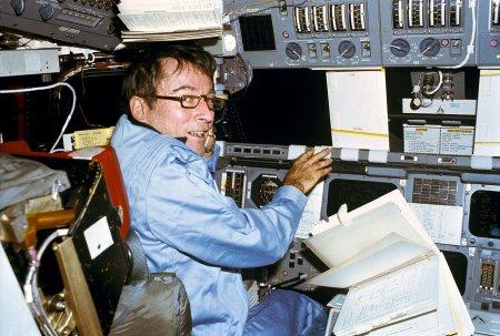 John Young, une légende de la conquête spatiale