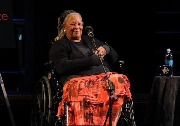 Toni Morrison, ou la fiction au service de la communauté noire
