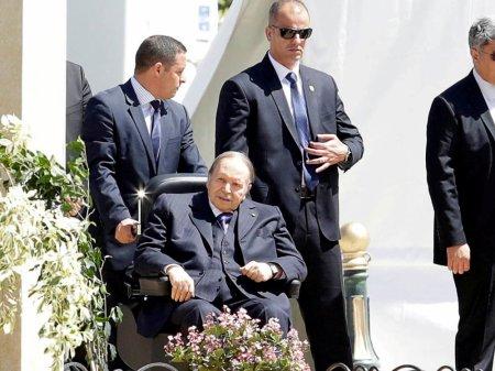 Abdelaziz Bouteflika, ou comment celui qui était présenté comme le sauveur d'une Algérie meurtrie par la guerre civile est devenu un dictateur machiavélique