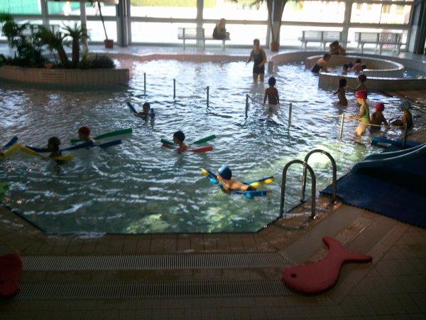 Eythan a la piscine de pompey avec son ecole octobre 2011 for Piscine champigneulles