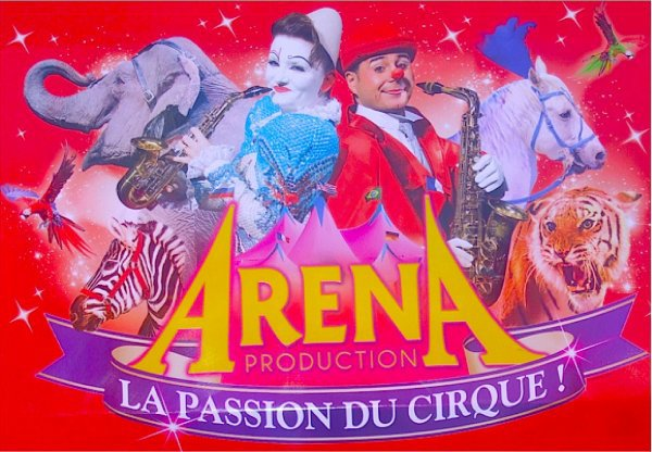 PLACE AU SPECTACLE , PLACE AU GRAND CIRQUE , MEDRANO  !!