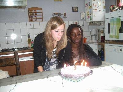Ma sister & Me pour mes 14 ans !! Moi en train de souffler les bougies