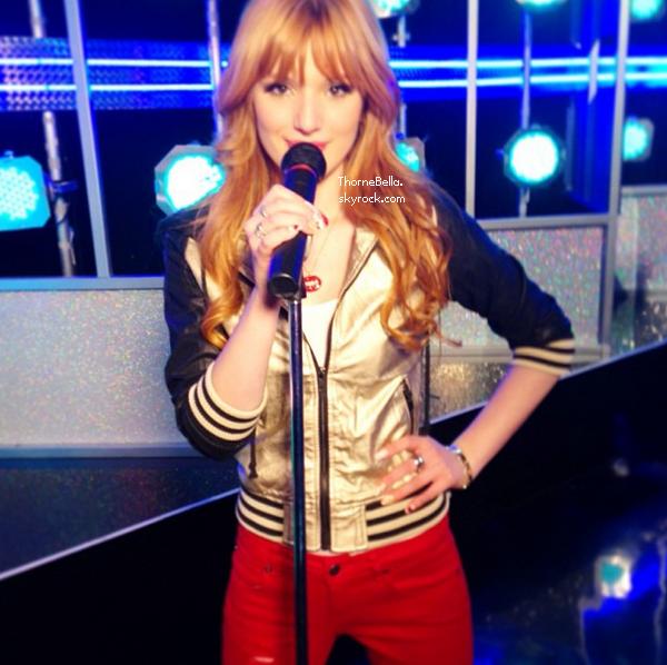 Nouvelle photo twitter de Bella du 13 février 2013.
