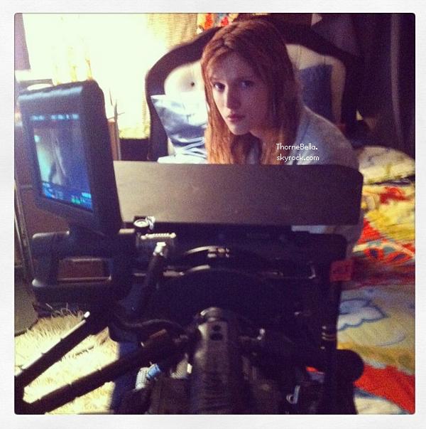 Bella sur le tournage de Big Sky le 29 octobre 2013.