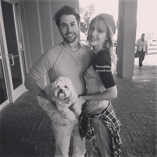 Nouvelles photos twitter de Bella du 1 novembre 2013.