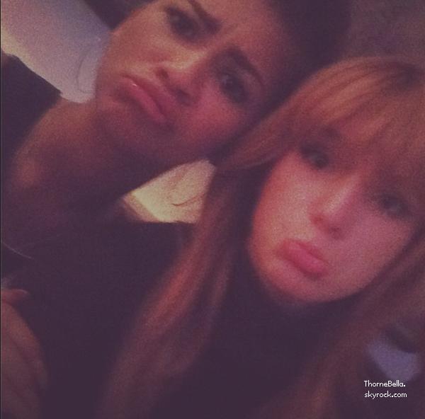 Nouvelles photos twitter de Bella du 3 novembre 2013.