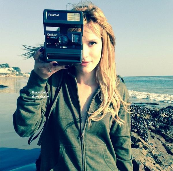 Nouvelles photos de Bella pour Flaunt magazine.