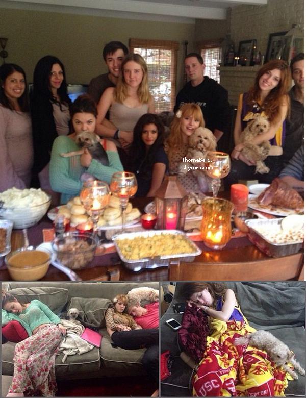 Bella et sa famille fêtant Thanksgiving le 28 novembre 2013.