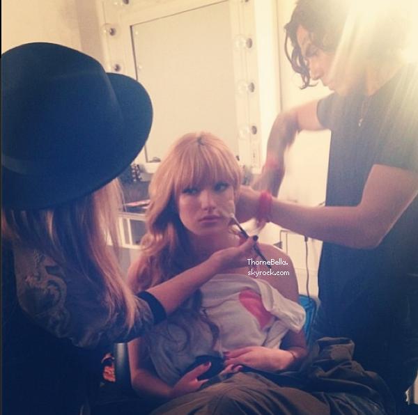 Bella sur un nouveau shoot le 7 décembre 2013.
